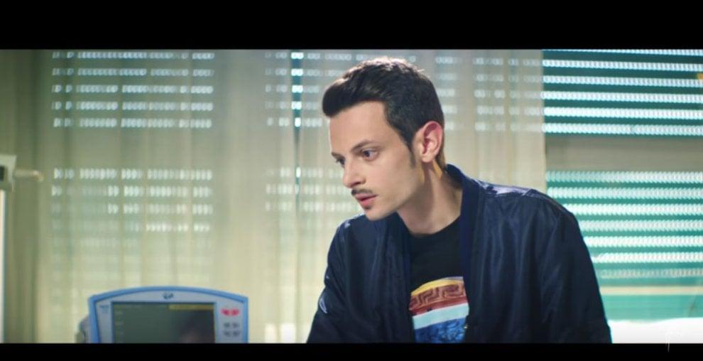 """Rovazzi """"rapisce"""" Gianni Morandi: in coppia per ' Volare', il nuovo singolo dell'autore di 'Andiamo a comandare'"""