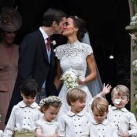 Gb, il matrimonio 'quasi reale' di Pippa: il sì a James Matthews tra paggetti e ...