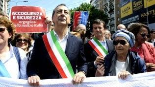 """In 100mila alla marcia per l'integrazione ·fotoGrasso: """"Chi nasce e studia qui è italiano"""""""