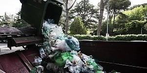I rifiuti, affare da 11 miliardi Gli sprechi tutti al Centro-Sud