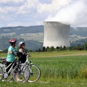 La Svizzera vota per spegnere il nucleare: stop all'atomo entro il 2050