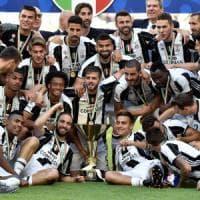 Juventus campione, la grande festa: la curva incorona Allegri