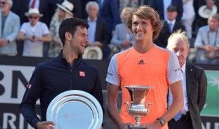 """Tennis, Internazionali: Zverev nuovo """"re"""" di Roma, battuto Djokovic in finale. Il serbo: ''Agassi nuovo coach''"""