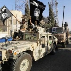 """Il Times: """"L'Isis utilizza cavie per sperimentare armi chimiche"""""""