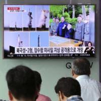 Kim Jong-un ordina produzione di massa del missile a medio-lungo raggio