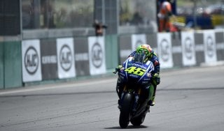 MotoGp, Rossi: ''La caduta? Dovevo provarci, mi rifarò al Mugello''