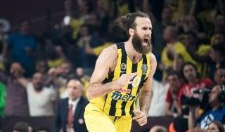 """Basket, Fenerbahce; gioia Datome: """"Mi sento immortale"""". E Hackett gli scrive: ''Fiero di te capitano''"""