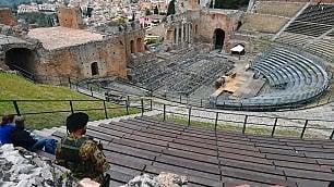 Così Taormina è diventata no global per caso