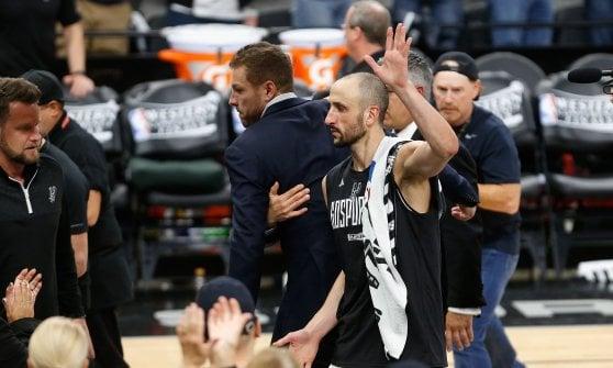 Basket, playoff Nba: Golden State alle Finals con record, San Antonio ko anche in gara 4