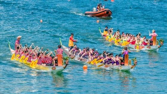 A Hong Kong per la festa dei dragoni sull'acqua