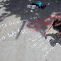 """Manchester, il cordoglio internazionale: """"Un attacco all'innocenza"""""""