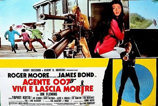 """È morto Roger Moore, sette volte James Bond. L'agente segreto che riuscì a """"battere"""" Connery"""