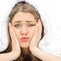 Chi perde il sonno perde anche gli amici: ecco l'ultimo effetto delle notti in bianco