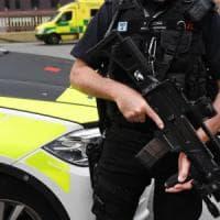 Gran Bretagna, per la prima volta soldati in strada: l'allerta terrorismo