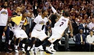 Basket, playoff Nba: Irving-James show, Cleveland prenota le Finals