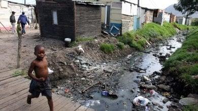 Africa, chi crea la povertà: evasione fiscale, corruzione, regole del commercio e clima