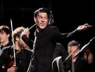 """Ezio Bosso torna a dirigere l'Orchestra: """"Non sapevo se ce l'avrei fatta"""""""