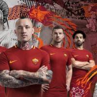 Roma, presentata la nuova maglia: esordio nell'ultima di Totti