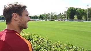 L'ambiguo messaggio di Totti''Domenica l'ultima con la Roma.Da lunedì inizia nuova sfida''