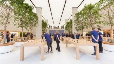 Apple, l'evoluzione dello store:  da negozio a spazio aperto e creativo