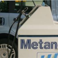 Eni e Snam si alleano per diffondere il metano per auto