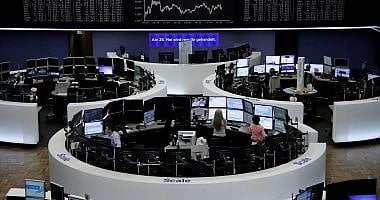 Borse europee in calo. Petrolio ancora giù dopo la delusione Opec