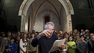 A Ravenna il teatro cammina e porta tutti all'Inferno
