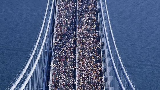 """""""La linea blu"""": quella generazione rivoluzionaria che riemerge nella maratona"""