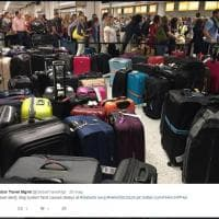 British Airways, in tilt i computer in tutto il globo: su Twitter le foto del caos a Heathrow e Gatwik