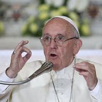 Genova, il Papa contro la maldicenza nella Chiesa: