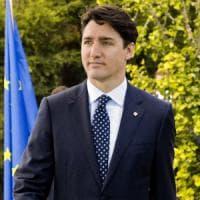 Terremoto, Amatrice: Trudeau e moglie depongono fiori davanti al memoriale delle vittime