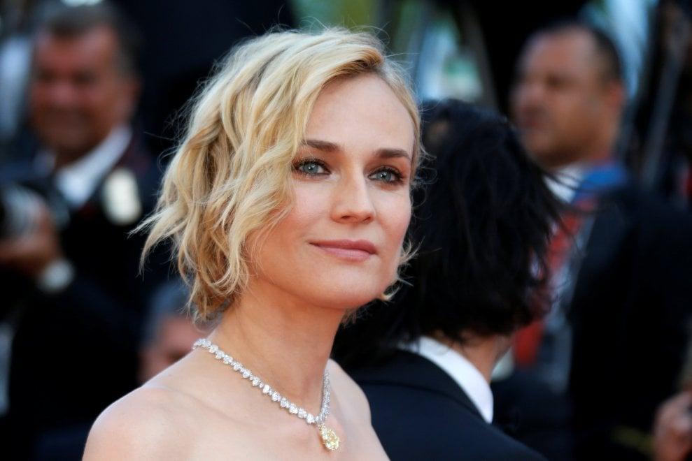 Cannes, tutti sul red carpet, il gran finale è vicino. Sfila la bellezza: Uma Thurman, Diane Kruger, Nastassja Kinski, Jessica Chastain