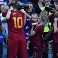 La Roma è seconda, e poi la festa di Totti. Il capitano: