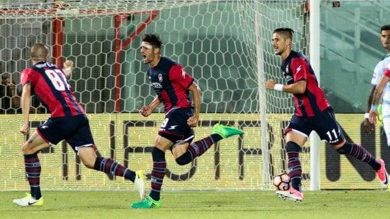 Crotone-Lazio 3-1, Falcinelli e Nalini firmano una salvezza da favola