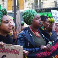 Francia, festival solo per afrofemministe: Hidalgo chiede il divieto