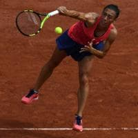 Tennis, Francesca Schiavone saluta il Roland Garros: con Muguruza l'ultima a Parigi