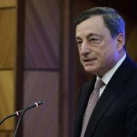 """Draghi: """"Sostegno monetario resta necessario. Non bisogna aver paura di cambiare i..."""