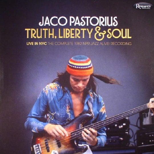 La rivoluzione sulle corde di Jaco Pastorius. La leggenda rivive in un live inedito