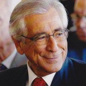 """Andrea Manzella: """"Le urne aspettino, il bilancio pubblico ha la priorità"""""""