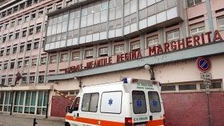 Neonato abbandonato in strada: muore in ospedale a Torino