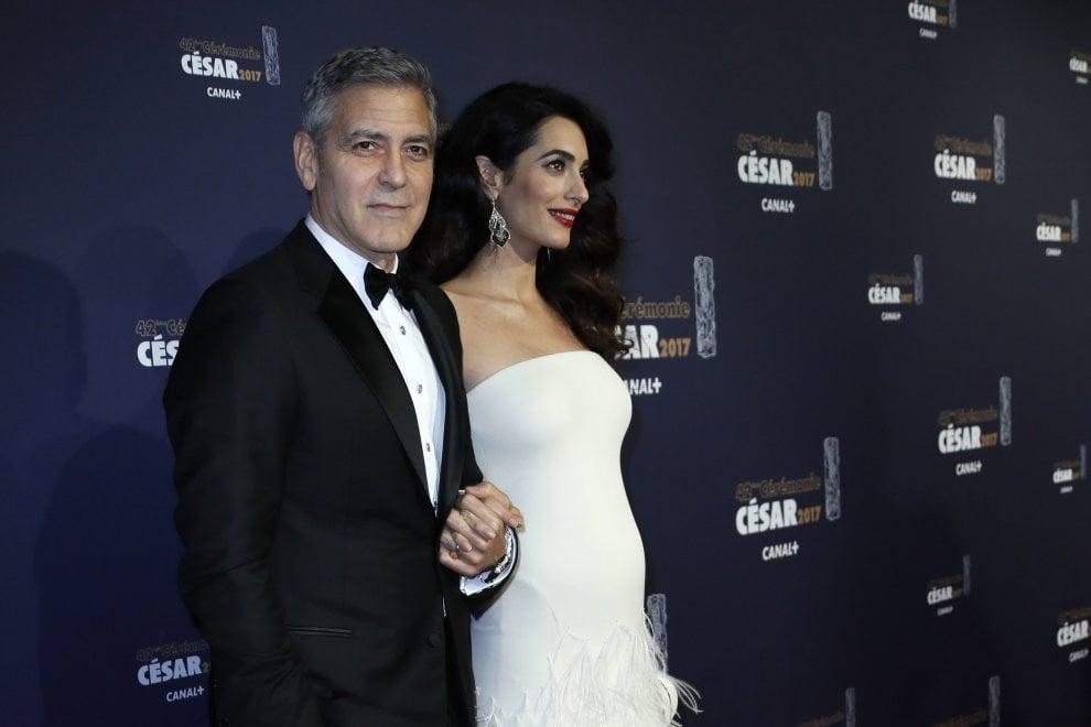 Arrivano i gemelli Clooney: parto imminente per mamma Amal