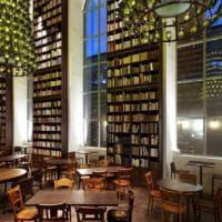 La biblioteca? Io me la gusto in albergo