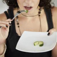 """Giornata disturbi alimentari, appello degli esperti al ministro: """"Più strutture per i..."""