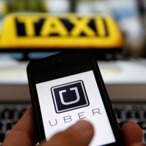 Uber, crescono i ricavi ma resta in rosso: salta anche il direttore finanziario