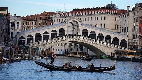 Venezia, stop del Comune a nuovi alberghi e b&b