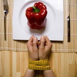 """Giornata disturbi alimentari, l'esperto: """"Aumentano le diagnosi, ma molti pazienti sono soli"""""""