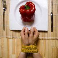 """Giornata disturbi alimentari, l'esperto: """"Aumentano le diagnosi, ma molti pazienti sono..."""