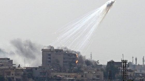 """Il Pentagono ammette: """"Uccisi per errore oltre 300 civili in due mesi in Siria e Iraq"""". Un'ong accusa Trump"""