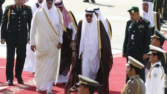 """Arabia Saudita, Bahrein, Emirati Arabi ed Egitto chiudono le frontiere col Qatar: """"Fomenta il terrorismo"""""""