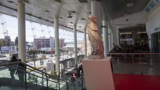 Arte, coiffeur, terrazze con vista. Il maquillage dell'estate degli aeroporti italiani